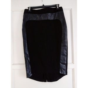 Mossimo black pencil skirt with faux leather trim